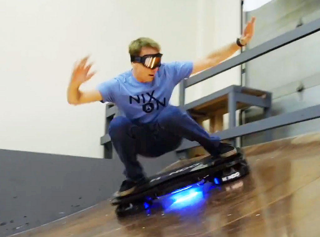 rs_1024x759-141118052318-1024.Tony-Hawk-Hoverboard-JR-111814