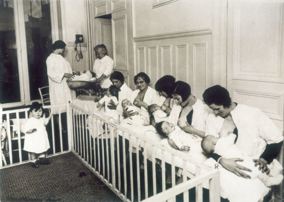 MARRIED MOTHERS' CLINIC